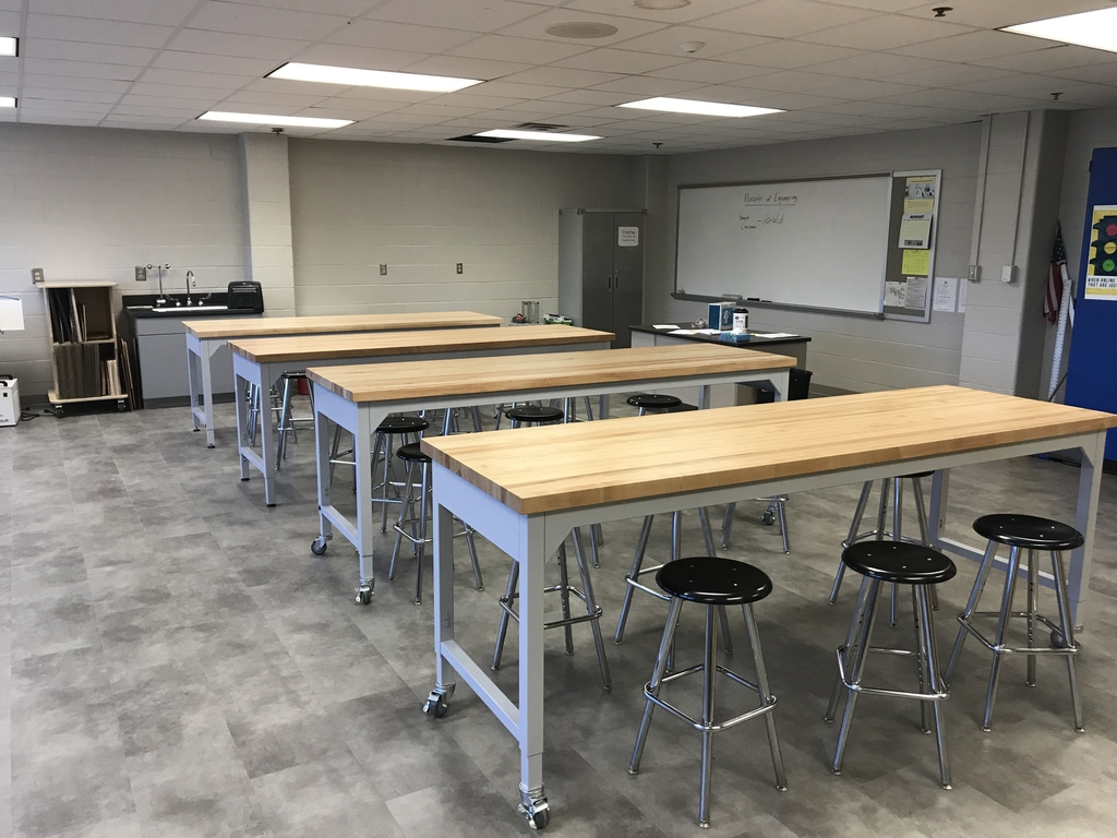 The new STEM lab at MHS/MMS looks amazing! Thrilled to have this opportunity for our students! #weRmilan